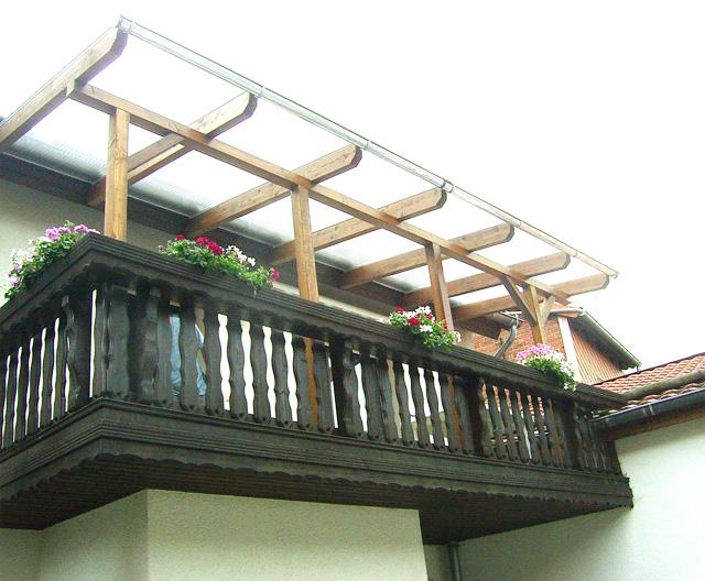 wir bieten ihnen holztreppen spindeltreppen sowie gerade treppen tischlerei karl heinz. Black Bedroom Furniture Sets. Home Design Ideas
